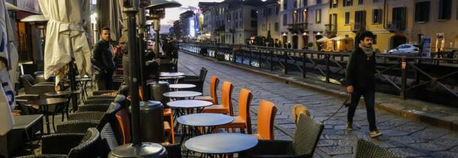 Riaperture, le linee guida per ristoranti, bar, palestre, cinema e teatri: la bozza dalle Regioni