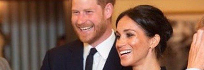 Meghan Markle si lascia scappare il nomignolo con cui chiama il principe Harry, imbarazzo in pubblico Video