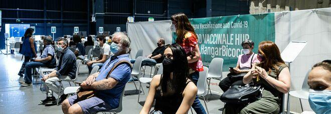 Richiamo vaccini, la Lombardia accorcia la seconda dose di Pfizer e Moderna