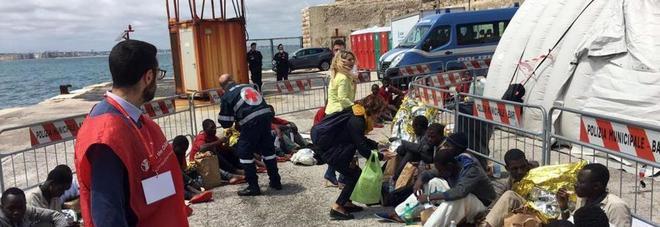 Naufragio Nel Canale Di Sicilia Recuperati 31 Cadaveri Molti Sono