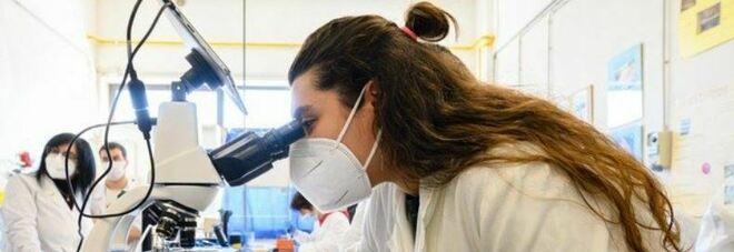 Covid, farmaci contro il tumore al seno «alterano fusione tra virus e cellula ospite»