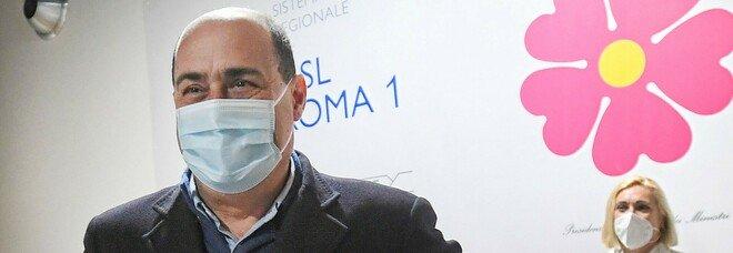 Covid, Zingaretti: «Mi vaccino con AstraZeneca per dare un segnale di speranza. Dal 15 maggio visite nelle Rsa»