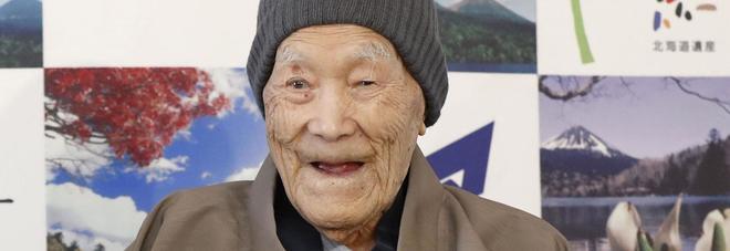Nipponico vecchio uomo sesso