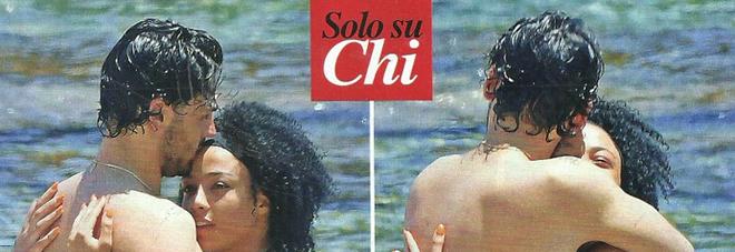 Amici 2019, Alberto Urso prima del tour: vacanza con Valentina Vernia a Taormina