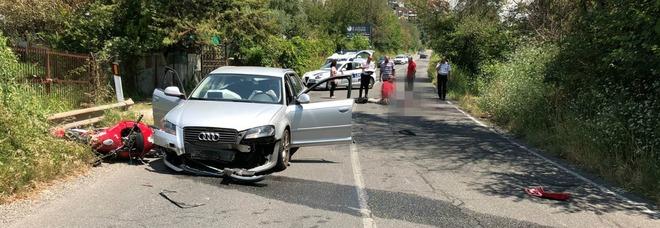Audi contro una moto, lo schianto choc: morto un uomo vicino Roma Foto