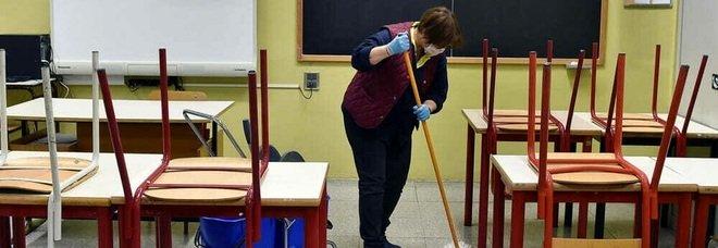 Scuola, per due studenti su tre da oggi si torna in classe. Vietato assembrarsi: le nuove regole anti-contagio