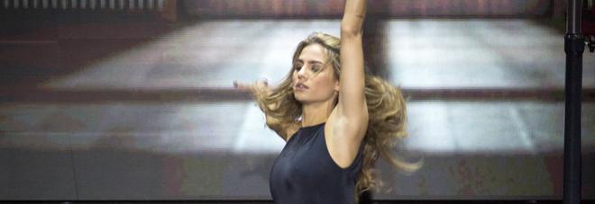 Dance Dance Dance Eliminati Gli Attori Di Un Posto Al Sole Samanta