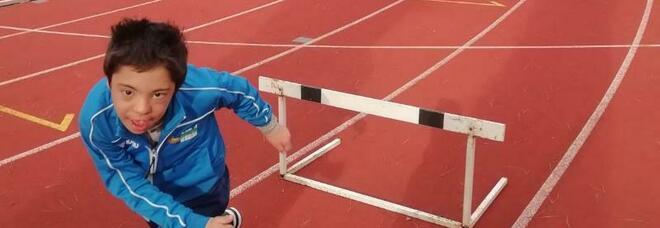 Gabriele, campioncino di corsa a ostacoli per vincere l'handicap