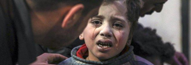 Siria, la strage dei bambini: 57 morti nel massacro di Ghuta