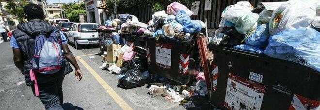 Benvenuti nella Capitale dei rifiuti: fa caldo, aria irrespirabile nelle strade. Allarme per le condizioni igienico-sanitarie