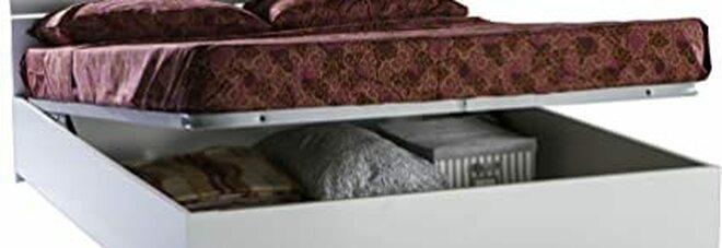 Soffocata nel letto contenitore: Roberta trovata morta in camera dalla figlia