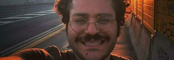 Patrick Zaki resta in carcere per altri 45 giorni, la decisione della Corte. Amnesty: «Vergognoso»