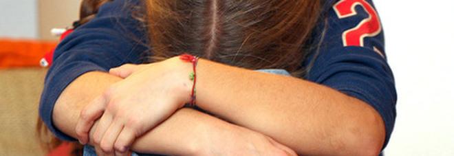 Fratelli costretti a fare figli tra loro, una bimba confessa: scoperta la fattoria dell'incesto