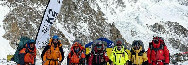 Save The Duck arriva in vetta grazie all'alpinista e sherpa Mingma Tenzi