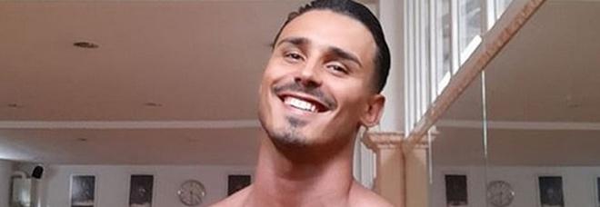 Amici19, nuovi guai per Valentin Alexandru. Le frasi omofobe contro Javier: «Al di là di questa danza sei un po' gay»