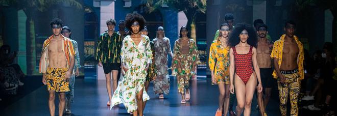 Roi Du Lac porta la sua Cuba Libre ad AltaRoma, tra stampe tropicali e stile europeo