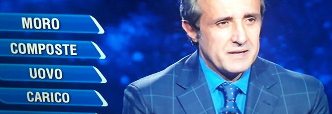 L'Eredità, Flavio Insinna mortificato con il campione: «Non so come dirtelo...». Fan furiosi: «Non è giusto»