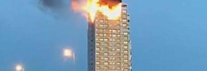 Madrid, brucia un grattacielo in centro città: terrore e residenti in fuga VIDEO CHOC