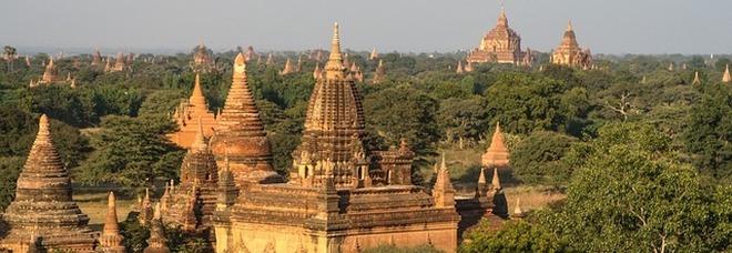 Video porno fra le sacre pagode: coppia di italiani fa infuriare Myanmar