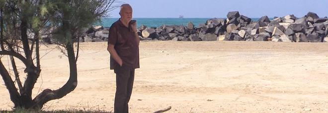 Un gatto in Tangenziale 2, il Sindaco Montino di Coccia di Morto: «La nostra spiaggia è rinata»