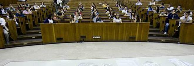 Università, a settembre ripartono le lezioni: mascherine obbligatorie per tutti e prenotazioni con app