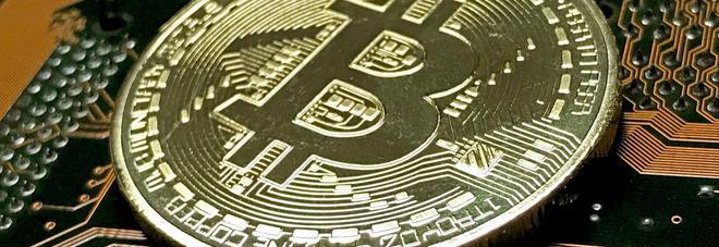 Bitcoin, crollo inarrestabile: perde l'11% e scende sotto i 6mila dollari, a dicembre sfiorava i 20mila