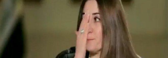 SCHIAVA DEL SESSO COSTRETTA DALL'ISIS A MANGIARE SUO FIGLIO