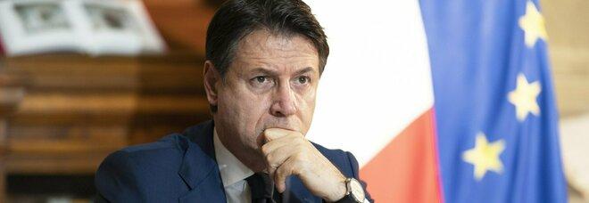"""Crisi, schiaffo a Renzi: Conte lunedì alla Camera e martedì in Senato per il voto di fiducia. Decisivi i """"responsabili"""". Di Maio: strade divise con Iv"""