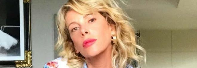 """Alessia Marcuzzi assente alle Iene: «Sono """"leggermente"""" positiva al Coronavirus»"""