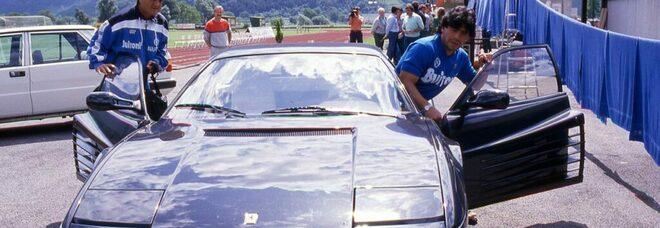 Maradona, la storia misteriosa delle due Ferrari nere. Nel 1986 riceve una Testarossa, ma tanti parlano di una F40