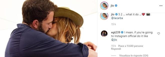 Jennifer Lopez e Ben Affleck: il ritorno di fiamma è ufficiale, ecco il (primo) bacio social