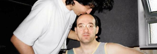 È morto Luciano Ghezzi, storico bassista e collaboratore di Ligabue. Il saluto del cantante su Facebook