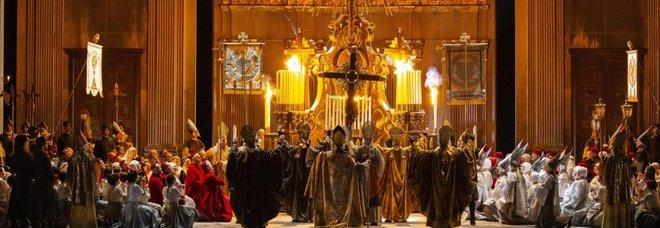La Prima de La Scala di Milano: la Tosca di Giacomo Puccini. E' un trionfo, pubblico entusiasta. Acclamato il Maestro Chailly LA DIRETTA