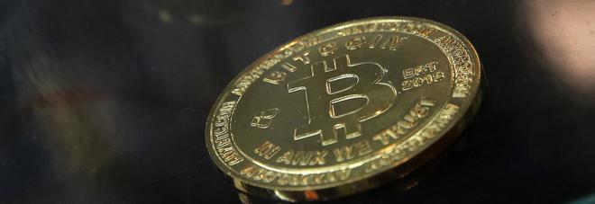 Bitcoin da record, sfiora i 19mila dollari. Ma è allarme 'bolla' speculativa