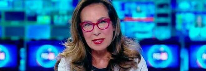 Cesara Buonamici, rapina choc per la giornalista del Tg5: banditi entrano in auto e fuggono col Rolex