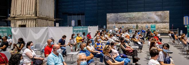 Effetto green pass sui vaccini: in Lombardia in 3 giorni 100.882 prenotazioni