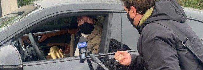 Tapiro d'oro a Francesco Totti: «Meglio Greta Scarano o Ilary? Non c'è gara...»