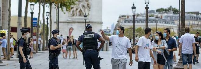 Virus, allarme Europa. Coprifuoco a Berlino, Parigi riapre i reparti Covid