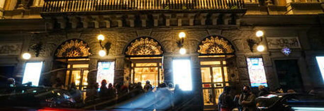 Attrice di 22 anni suicida a teatro: choc al Bellini di Napoli. «Stava vivendo un dramma»