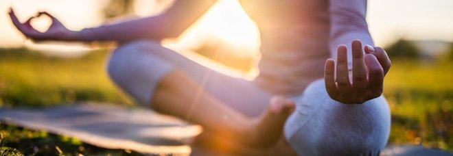 Roma, Yoga week: lezione di yoga all'aperto a Castel Sant'Angelo