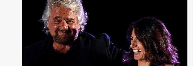 Beppe Grillo benedice la ricandidatura di Virginia Raggi: «Roma ha bisogno ancora di te»