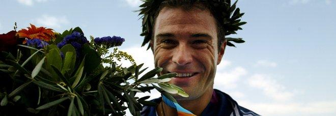Antonio Rossi, l'ex campione olimpico ricoverato per un infarto: «Malore durante una gara di corsa»