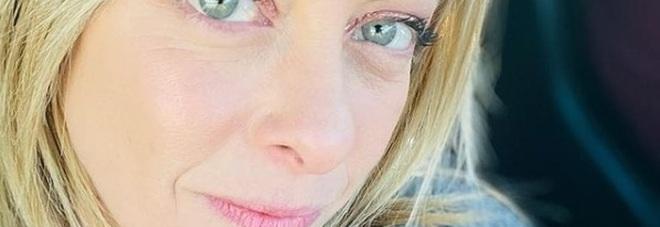 Giorgia Meloni a Live non è la D'Urso sugli insulti ricevuti: «Non ho chiesto provvedimenti per il professore»
