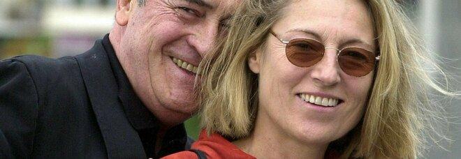 Clare Peploe, è morta la moglie di Bernardo Bertolucci. Sceneggiatrice e regista, da 40 anni a fianco del premio Oscar
