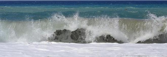 Choc vicino Palermo, ragazzina di 12 anni muore annegata in mare