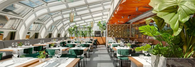 Maio Restaurant a Milano, vista sulle guglie del Duomo ma a toccare le stelle è solo il prezzo