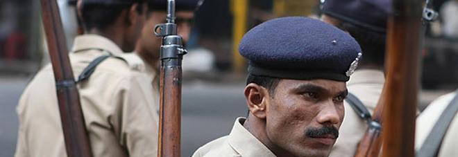 Risultati immagini per bambina 11 anni india