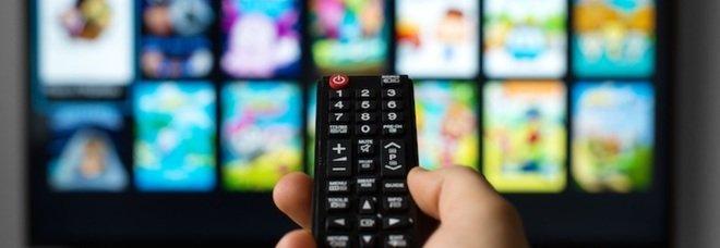 Bonus tv: come funziona, come richiederlo e i requisiti per ottenere uno sconto fino a 100 euro