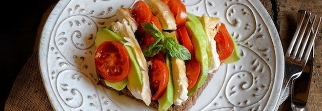 Pollo, alleato contro il caldo: 5 ricette facili e leggere