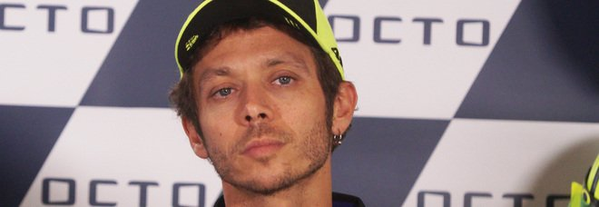 """Valentino Rossi dice basta: """"Il prossimo anno non correrò più in MotoGP"""""""